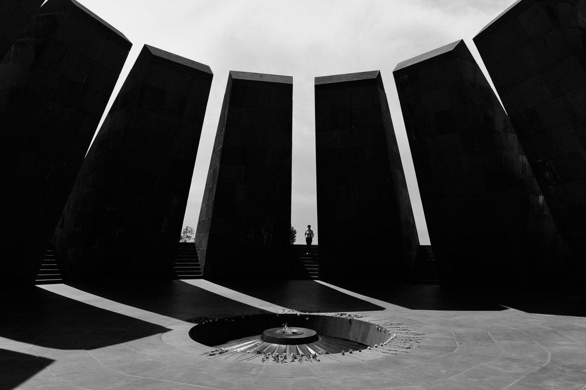 Khatchadourian-Armenian-Genocide-1200